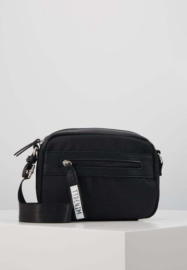 ZAMORA - Across body bag - black