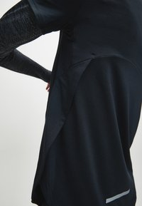 Calvin Klein - T-shirt sportiva - black - 3