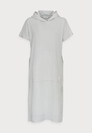 Sukienka z dżerseju - spring water