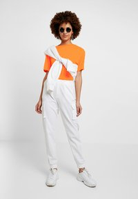 Even&Odd - Print T-shirt - neon orange - 1