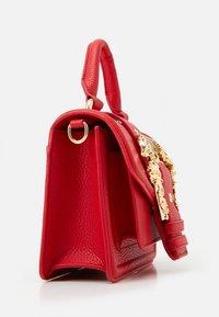Versace Jeans Couture - MINI TOP HANDLE - Handbag - rosso - 5