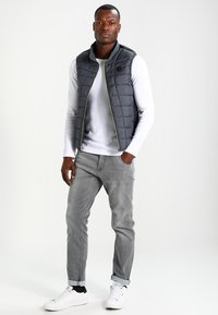 Cars Jeans - PRINCE - Straight leg jeans - grey used - 1