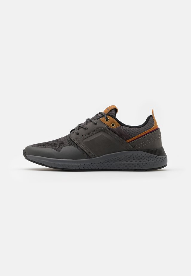 SEQUOIA CITY - Sneakersy niskie - dark grey/black