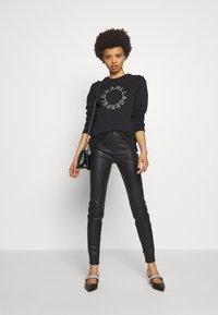 KARL LAGERFELD - CIRCLE LOGO - Sweatshirt - black - 1
