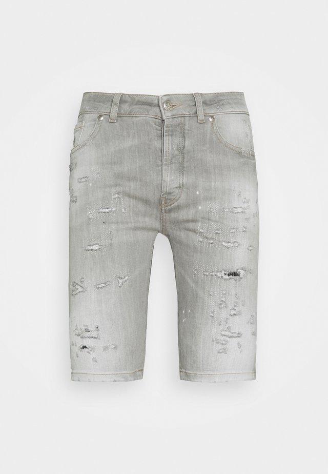BERMUDA ODENSE - Jeansshorts - grey