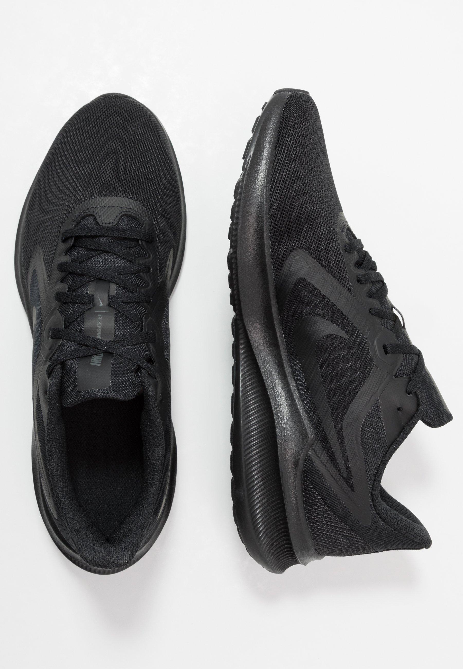 Nike Performance DOWNSHIFTER 10 Nøytrale løpesko black