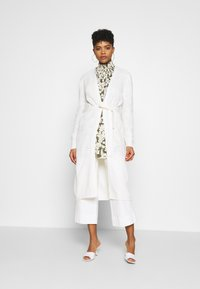 JDY - JDYGURLI BELT CARDIGAN - Strickjacke - off-white - 0