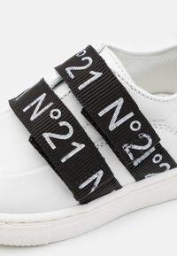 N°21 - Trainers - white - 5