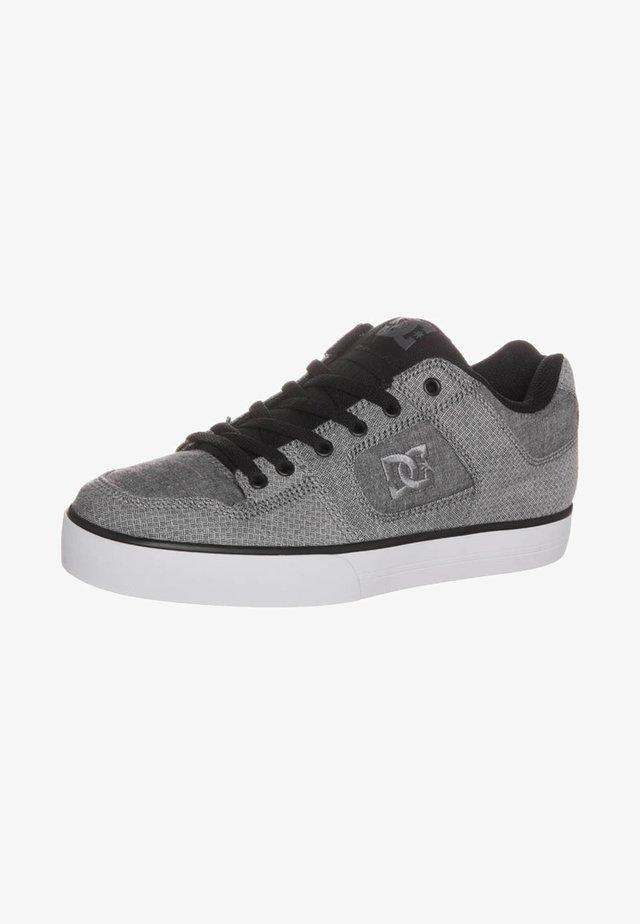 PURE SE - Skateboardové boty - black/white
