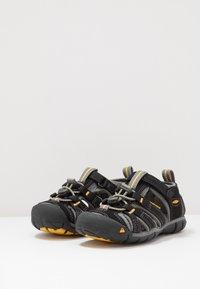 Keen - SEACAMP II CNX - Walking sandals - black/yellow - 3