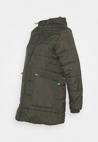 Modern Eternity - GIANNA QUILTED PUFFER HYBRID MATERNITY JACKET - Light jacket - khaki - 0
