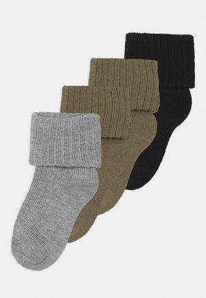 NBMDIMERLO 4 PACK UNISEX - Socks - aloe