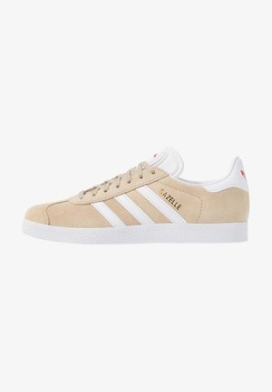 GAZELLE - Zapatillas - savanne/footwear white/glow red