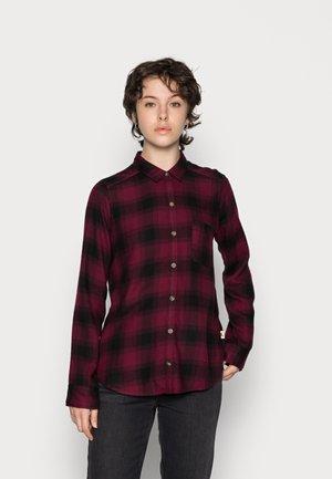BOYFRIEND - Button-down blouse - zinfandel/black plaid