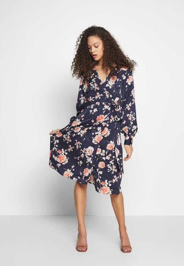 VIWILLA DRESS PETITE - Korte jurk - navy blazer