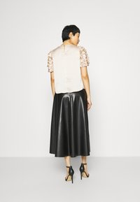 Dorothy Perkins - 3D SLEEVE TEE - Blouse - champagne - 2