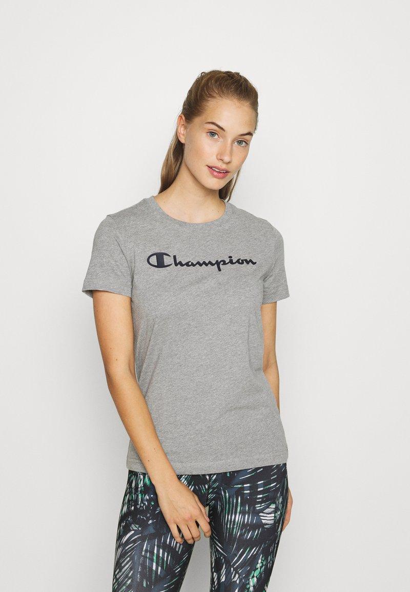 Champion - ESSENTIAL CREWNECK LEGACY - Printtipaita - grey heathered