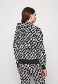 Calvin Klein Jeans - LOGO HOODIE - Hoodie - black/white - 2