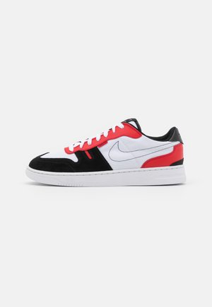 SQUASH TYPE - Sneakers - white/black/university red