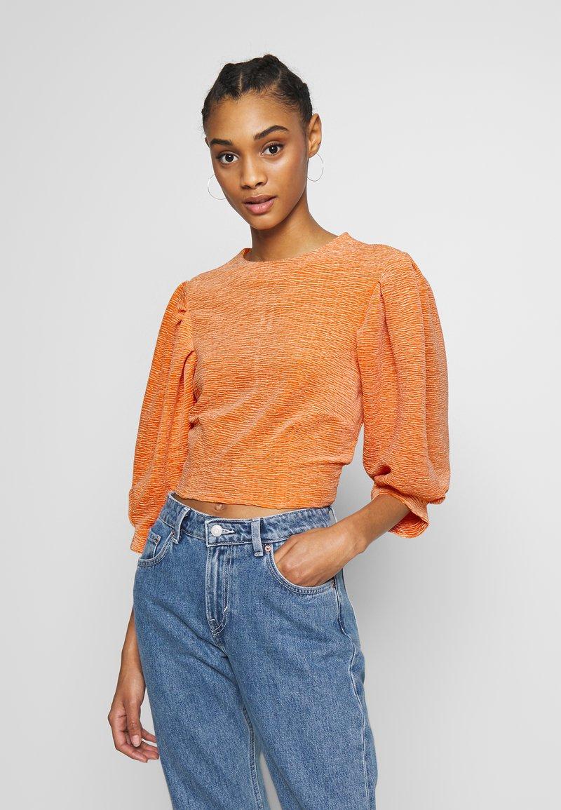 Monki - OLLY - Topper langermet - orange