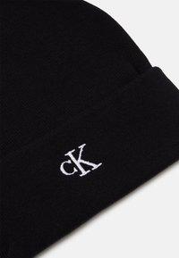 Calvin Klein Jeans - MONOGRAM BEANIE UNISEX - Beanie - black - 2