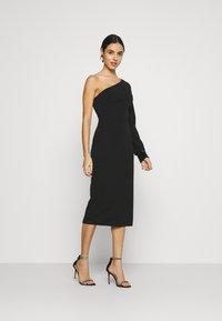 WAL G. - OLIVIA ONE SLEEVE MIDI DRESS - Shift dress - black - 0