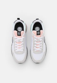 Colmar Originals - TRAVIS MELLOW - Baskets basses - white/light pink/water green - 4