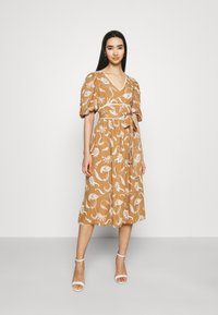 Glamorous - MIDI DRESSES WITH PUFF SLEEVES LOW V-NECK AND TIE BELT - Sukienka letnia - brown - 0