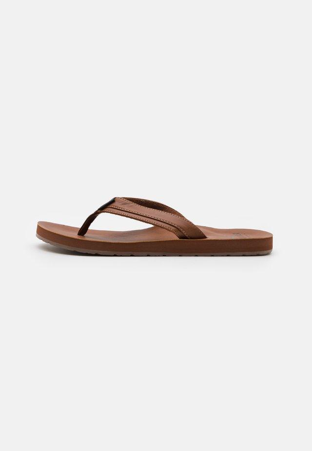 Sandály s odděleným palcem - dark brown