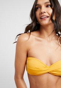 Seafolly - STARDUSTTWIST BANDEAU - Bikini top - saffron - 5