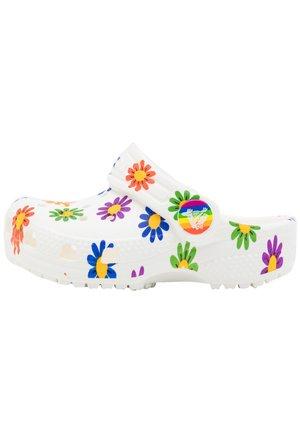 CLASSIC 2021 RAINBOW - Sandały kąpielowe - white/multicolor