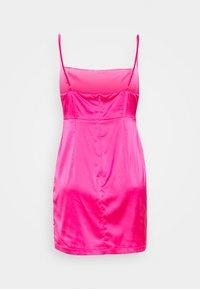 Missguided Petite - PLEAT DETAIL STRAPPY BODYCON MINI DRESS - Vestito elegante - pink - 1