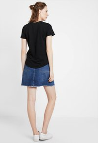 Cotton On - THE CREW - Basic T-shirt - black - 2