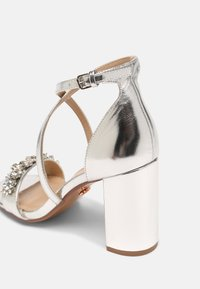 Dorothy Perkins - SHOWCASE BUTTERFLY - Sandals - silver - 5