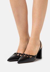 L'Autre Chose - SLINGBACK - Classic heels - black - 0