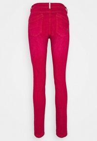 Buena Vista - MALIBU - Jeans Skinny Fit - raspberry wine - 1