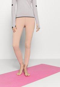 Free People - ON CLOUD NINE LEGGING - Leggings - rose - 0