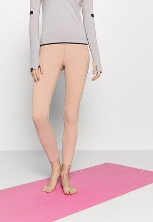 ON CLOUD NINE LEGGING - Legging - rose