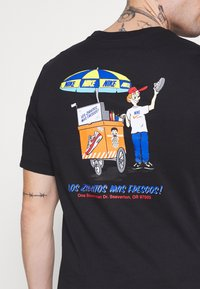 Nike Sportswear - TEE FOOD CART - T-shirt print - black - 3