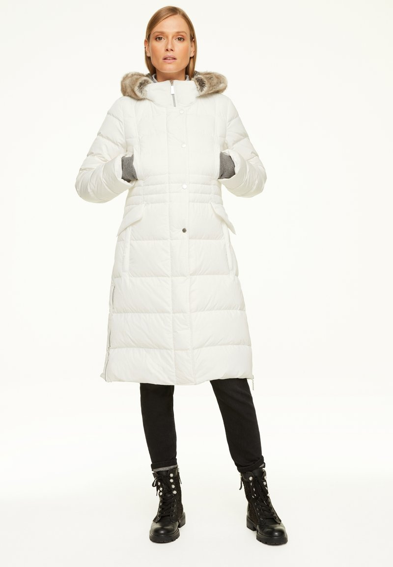 comma - Down coat - white
