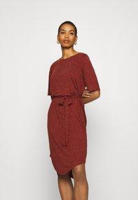 Selected Femme - SLFIVY BEACH DRESS - Žerzejové šaty - red - 0