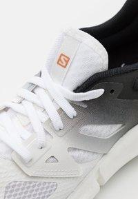 Salomon - PREDICT2  - Hiking shoes - white/black - 5