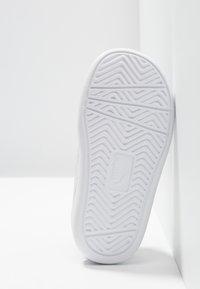 Puma - COURTFLEX - Slip-ons - peacoat/white - 5