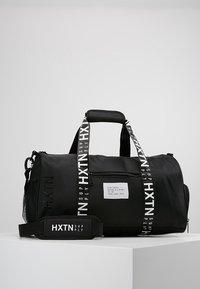 HXTN Supply - PRIME DUFFLE - Sportovní taška - black - 0