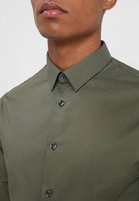 CELIO - MASANTAL - Formal shirt - kaki - 5