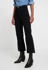 Levi's® - RIBCAGE CROP FLARE - Flared Jeans - on the rocks - 0