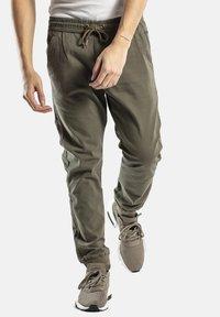 Reell - REFLEX RIB - Trousers - olive - 0
