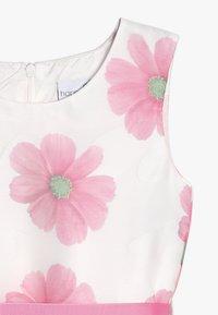 happy girls - Vestido de cóctel - weiß/ pink - 2
