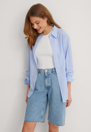 RAW HEM - Denim shorts - light blue