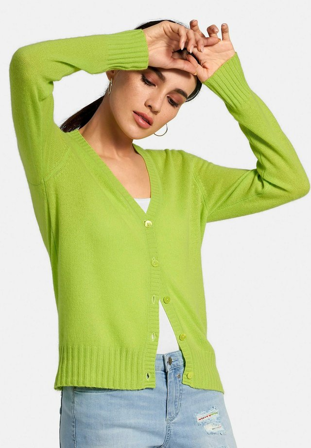 STRICKJACKE MIT KASCHMIR - Cardigan - lime